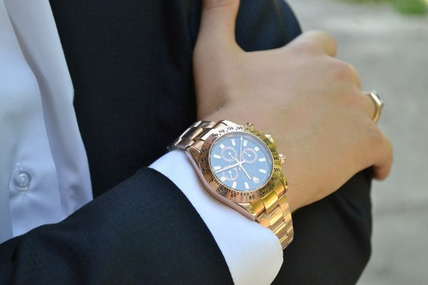 качественные копии брендовых часов, аксессуаров и телефонов