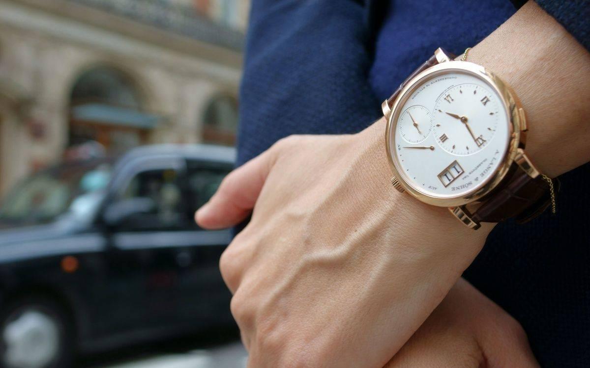 Часы на руке А.Ланг и Сонне