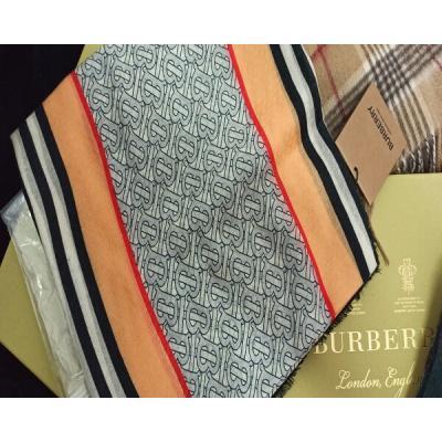 Платки и шарфы Burberry Модель K035