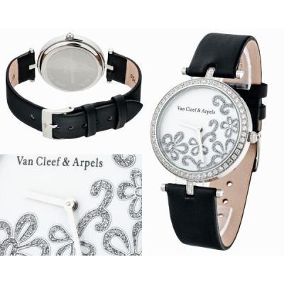 Часы  Van Cleef & ArpelsLady Arpels Dentelle Round №N1739